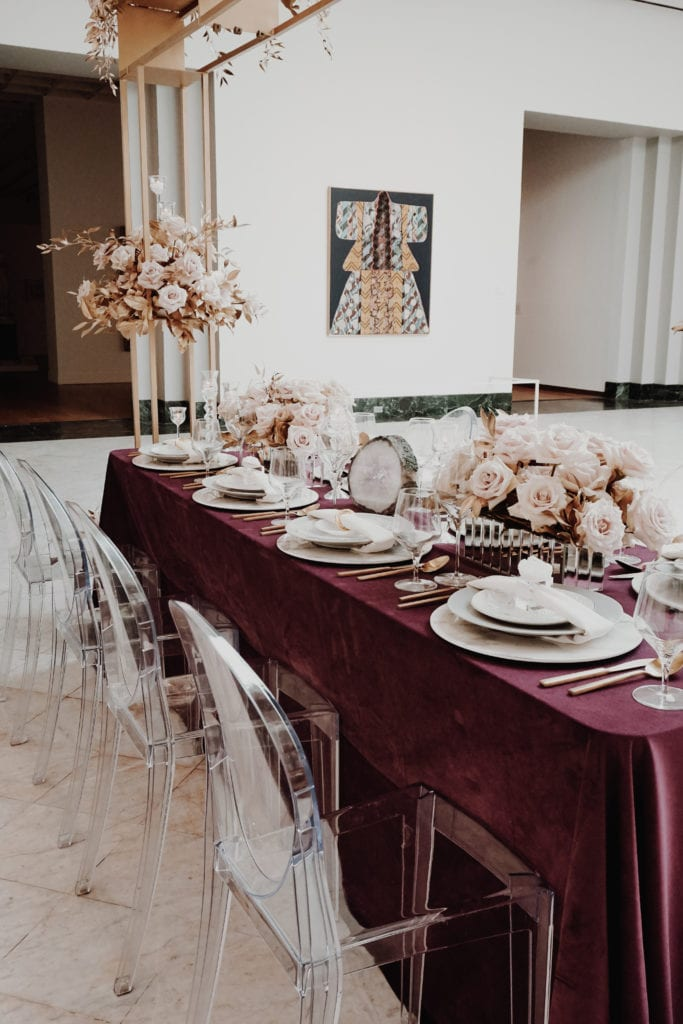 modern fine art wedding with ghost chairs and quicksand roses at orlando museum of art